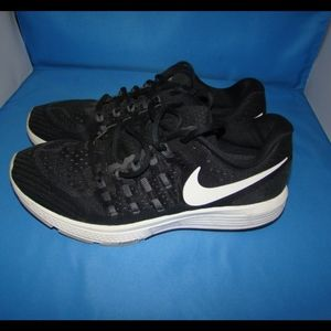 Women's Nike Air Zoom Vomero 11 Shoes 10 Black